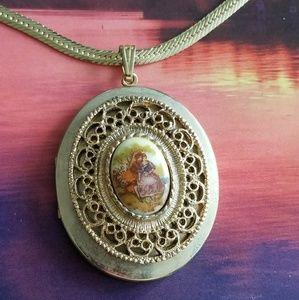 Vintage Fragonard lovers locket necklace gold tone